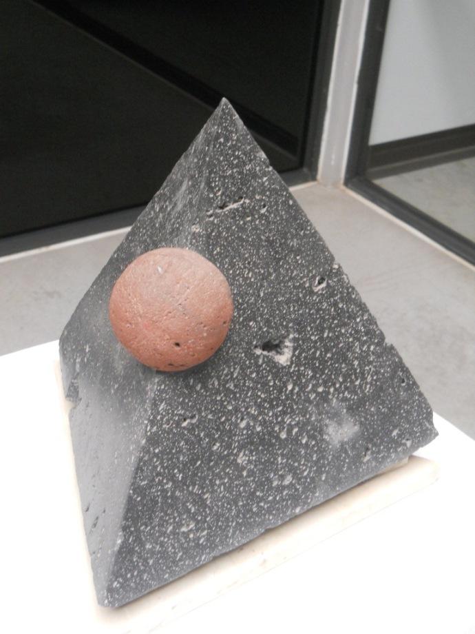 Obra El lenguaje del martillo. Jorge González Buendía, rondando el equilibrio