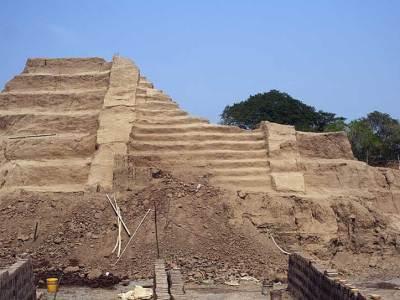 piramide de La Joya