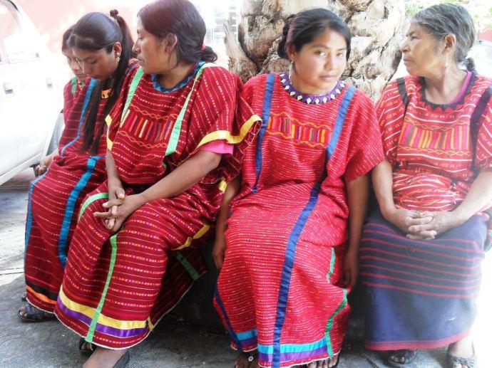 Mujeres indígenas. triquis de Copala