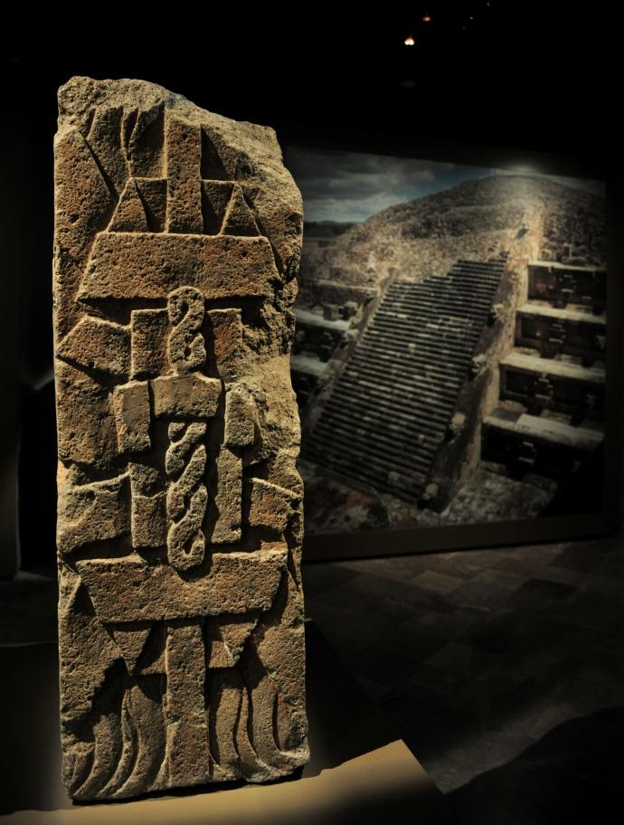 estela, piramide del sol