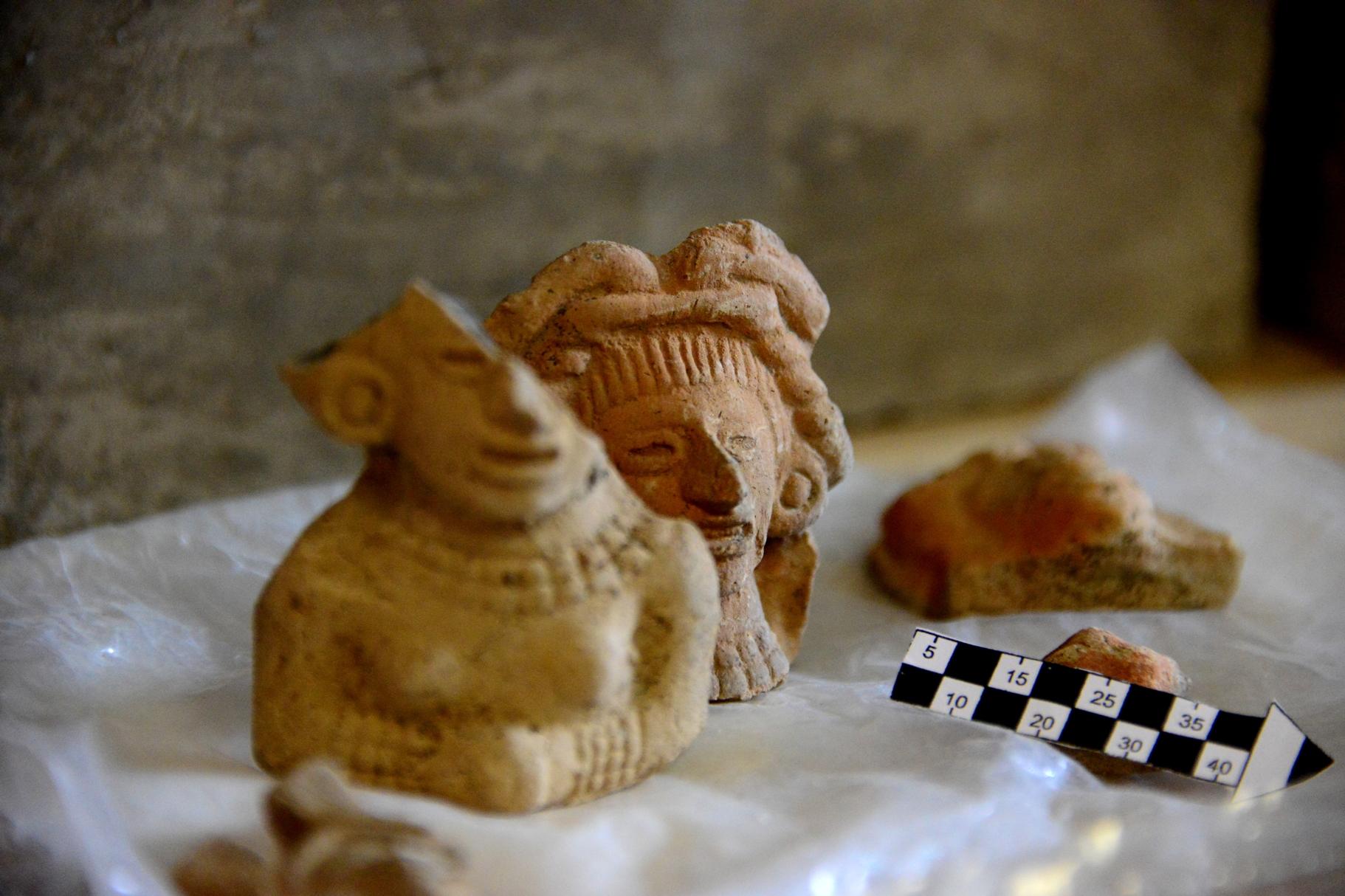 Figurillas humanas de barro encontradas en Churubusco.