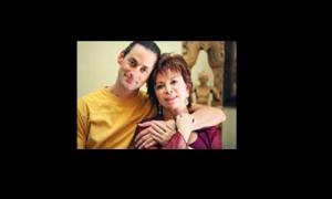 Isabel Allende y su hijo Nicolás