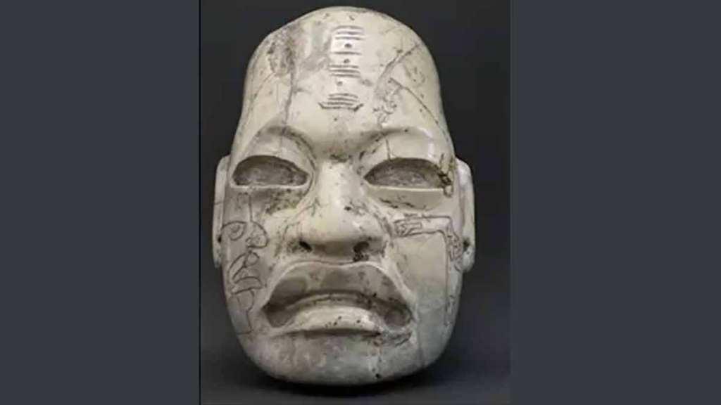 cabeza estilo olmeca en colección privada de Alemania que regresa a México